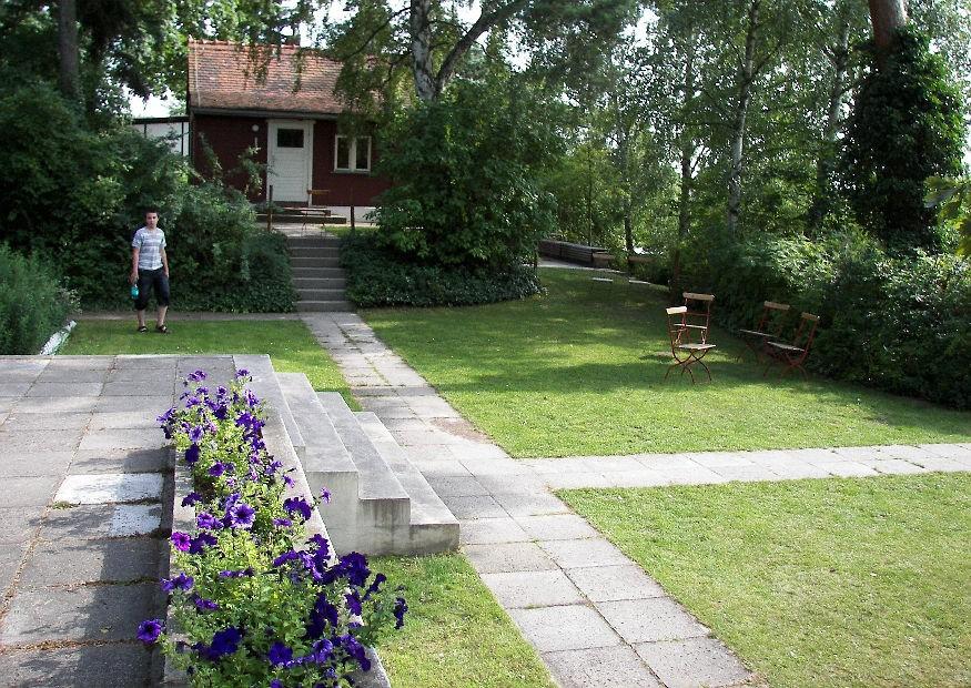 terrassengarten anlegen und gestalten. Black Bedroom Furniture Sets. Home Design Ideas