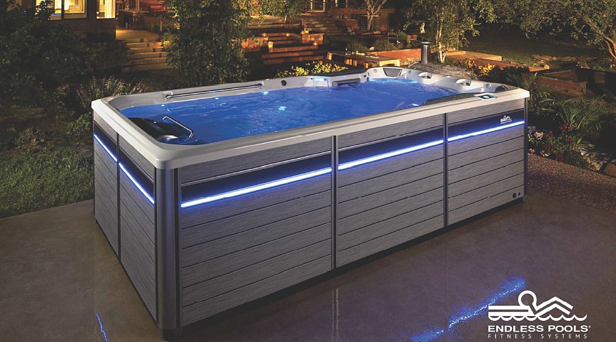 swim spa im garten pool mit gegenstromanlage. Black Bedroom Furniture Sets. Home Design Ideas